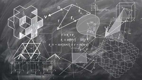 Un tableau noir remplis de calcul savant.